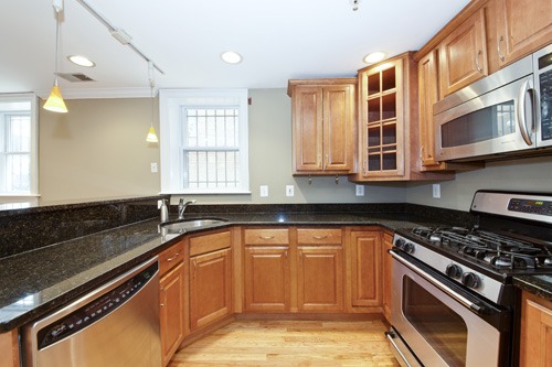 1443 Oak st NW T1 kitchen