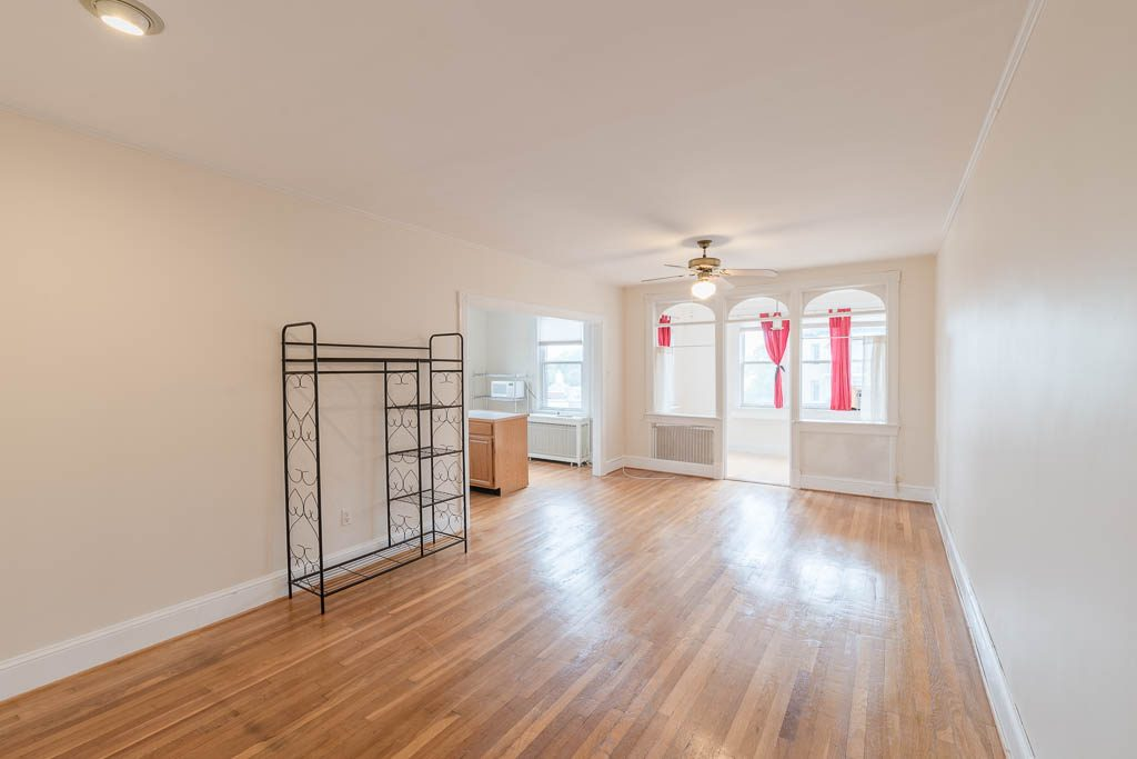 3600-Connecticut-Ave-NW-407-20181026-6