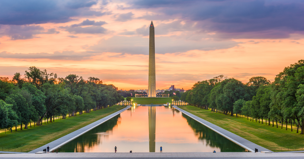 The Washington monument in a sunset