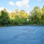 one empty tennis court