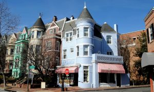 A neighborhood of multiunit residential properties in the D.C. area, where the housing market forecast shows a seller's market.