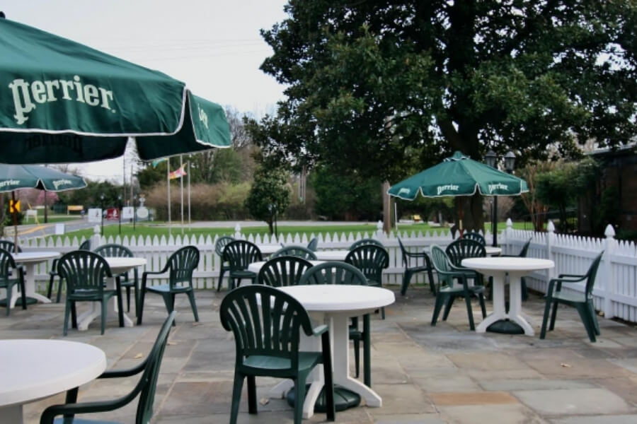 outside seating area of Normandie Farm